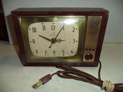 Vintage Spartus T.V. Theme Clock, Running Cracked Top