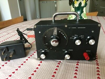 AF Low-Frequency Signal Tone Generator 10 Hz - 100 kHz. Sine and Square Wave.