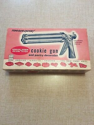 Vintage Wear Ever Aluminum Cookie Gun & Pastry Decorator Set Model No 3365