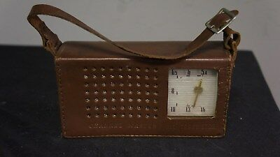 Channel Master 6-transistor Deluxe all-wave radio w/ leather case Model 6506