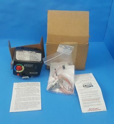 NEW - Honeywell Model WV8870A1008 3210649 Water Heater Gas Valve Thermostat