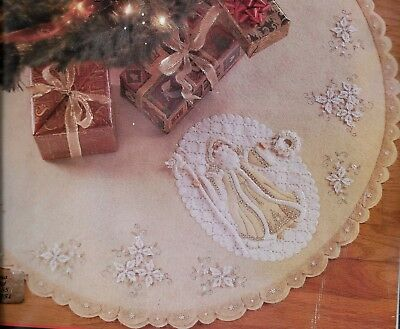 """white Christmas""  Bucilla Christmas Tree Skirt/tablecloth  Kit  Felt 109Cm"