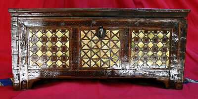 ANTIQUE UNIQUE OTTOMAN 18th c HANDMADE WOODEN MOTHER OF PEARLS POLISHED BOX