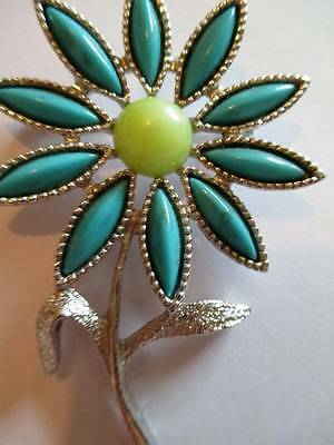 Sarah Coventry 1960s Flower power turquoise glass Brooch Silver tone