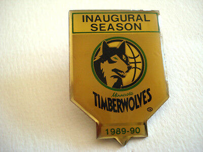 PINS RARE VINTAGE CLUB SPORT BASKET BALL LOUP TIMBERWOLVES 1989 1990 wxc o