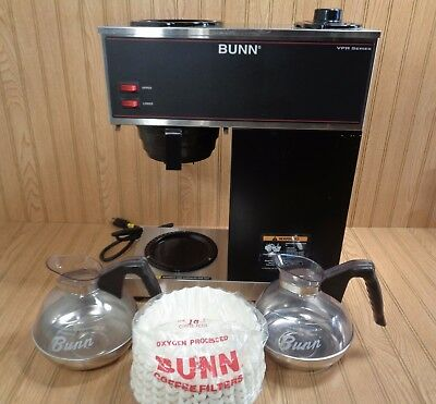 Bunn Commercial Coffee Maker VPR 33200 Series + 2 Decanters & 150 Filters Nice!