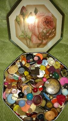 Pretty Mixed Lot 3 1/2# Vintage Sewing Arts Crafts Buttons & Tin Lrg. Variety