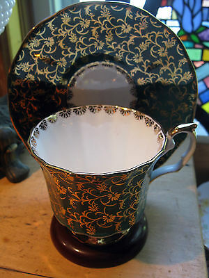 Vintage Footed Tea Cup And Saucer Elizabethan England Green & Gold Chintz Flower