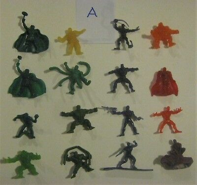 Lot of 16 Marvel Handful of Heroes Plastic Figures A 2009