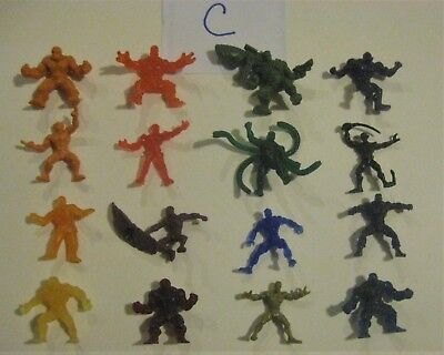 Lot of 16 Marvel Handful of Heroes Plastic Figures C 2009