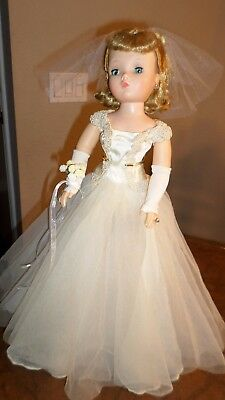 Vintage Madame Alexander Cissy doll Bride, WOW! - GORGEOUS DOLL 1950's