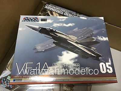 Wave MC55 Macross Series  VF-1A Fighter Production Type 1//100 Scale Kit