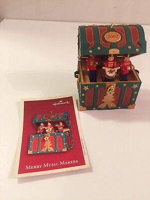 Hallmark 2002 MERRY MUSIC MAKERS ORNAMENT CHRISTMAS WINDUP WITH MOTION CM