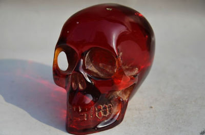 COLLECTIBLE CHINESE DECORATIVE AMBER HAND CARVED SKULL STATUE zrf
