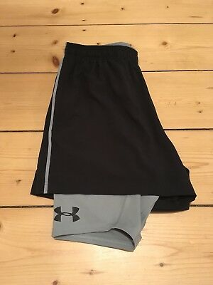UNDER ARMOUR 2in1 Shorts Size M