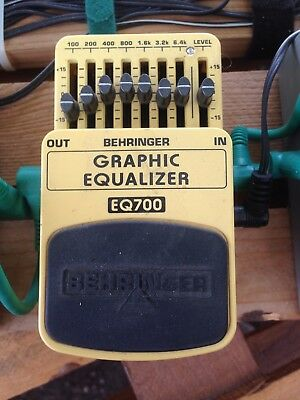 Behringer Graphic Equalizer EQ700 (Guitar / Keyboard) Ultimate 7-Band Graphic...