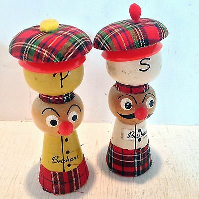 Vintage Salt & Pepper Shakers, Brisbane Souvenir, Wooden Scottish Chefs (1736)