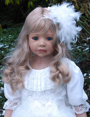 """Masterpiece Dolls Allison Blonde Wig, Fits Up To 20 1/2"""" Head, Doll Not Included"""