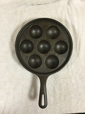 Vintage Cast Iron Griswold Danish Cake Pan /egg Poacher 962