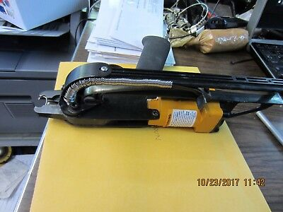 Stanley Bostitch SC743 16 Gauge Pneumatic Hog Ring Tool
