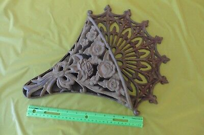 Vintage Cast Iron Wall Mounted Planter Flower Pot basket Holder Garden Decor