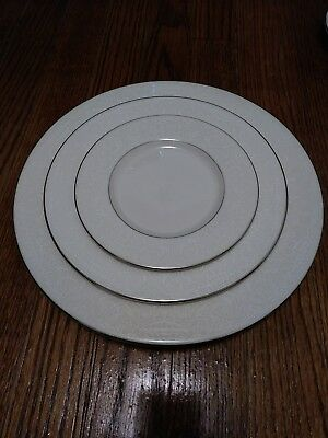 American Manor CHANTILLY 3 Piece Place Setting *MINT CONDITION*