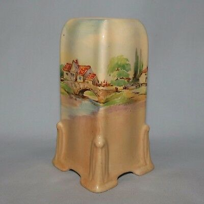 ROYAL DOULTON Old English Inns small vase D6072 GREAT SHAPE