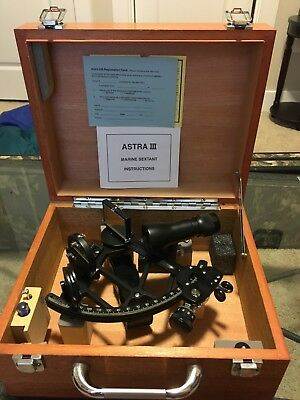 Mint Condition Astra IIIb Marine Sextant with carrying case