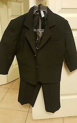 Boys Toddler  Suit with black Tie size 2T
