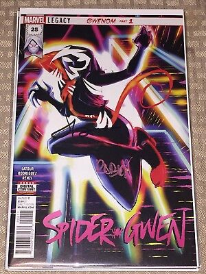 Marvel Comics SPIDER-GWEN #25 first print signed Jason Latour & robbi Rodriguez