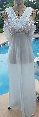 BEAUTIFUL STUNNING Size 40 Vintage Blue and White Long Nightgown