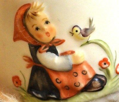 Vtg Goebel Collectibles - Hand Painted Beautiful Porcelain  Annual Bell ( 1981 )