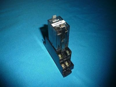 Lot 2pcs Fuji Electric HH52P Relay w/socket