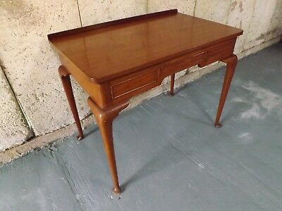 Mahogany vintage writing desk. Excellent condition. UK DELIVERY INCLUDED.