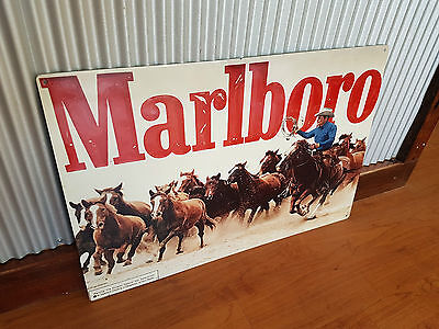 Marlboro cigarettes horses Metal tin sign Mancave bar Garage smokes tobacco