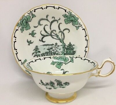 """Pekin"" Pattern Royal Chelsea Bone China Tea Cup & Saucer Green 16H"