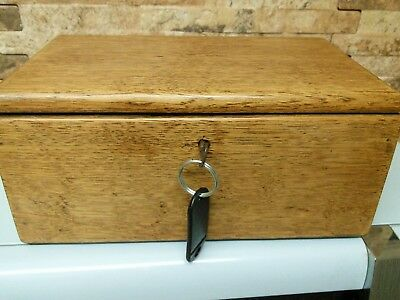 antique oak box.  fab condition