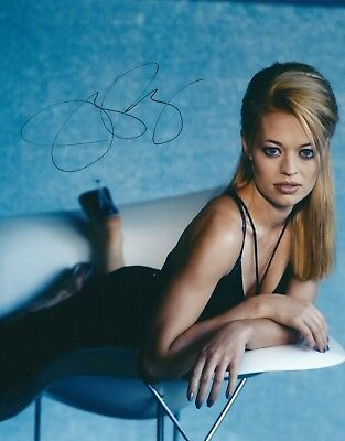 JERI RYAN SIGNED 7of 9 STAR TREK VOYAGER 8x10 PHOTOGRAPH - UACC RD AUTOGRAPH