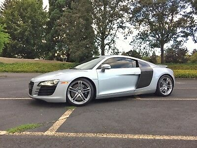 2009 Audi R8 Premium Package Bang and Olufson Quattro 2009 Audi R8 Full Carbon Fiber Premium Package