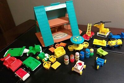 Vintage Fisher Price #990 Play Family A Frame House People Chairs 32 Piece Lot