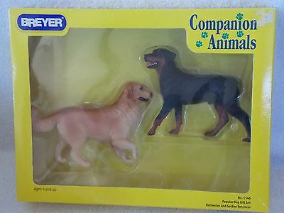 Breyer - Rottweiler And Golden Retriever - Companion Animals  - Dog Gift Set