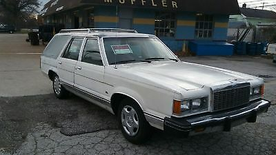 1982  Ford Granada  {Station Wagon}