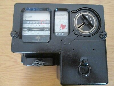 Smith coin meter, 60 amp, reconditioned, accepts new £1 coins.