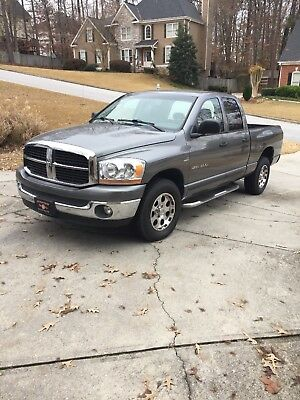 2006 Dodge Ram 1500 Slt quad cab Great truck low reserve. Clean CARFAX report.
