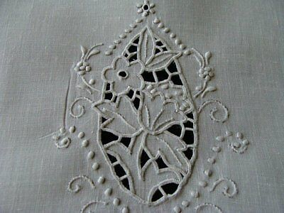 WOW Vtg MADEIRA White Linen Guest Towel Hand Embroidered Cutwork PRISTINE Unused