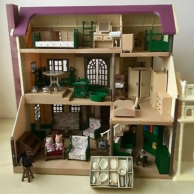 SYLVANIAN FAMILIES Red OAKWOOD MANOR HOUSE, Figures & Accessories Vintage 80's
