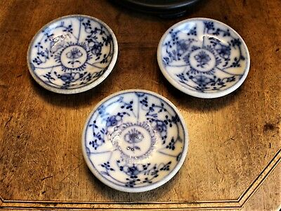Set  3 Small Blue & White Chinese Export Butter Pat Dishes c. 1855