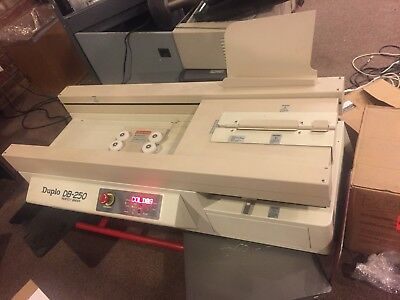 Duplo DB-250 Perfect Binder Automated
