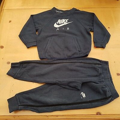 NIKE Boy's Black Sweat Top, Joggers Track Set Size 4 to 5 Years