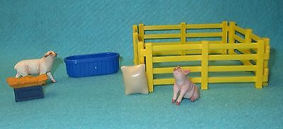 Breyer Stablemate Fence, Feed Bag, Feed Trough, Hay Manger, Pig & Sheep All New!